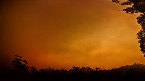 Smoke from bushfires in Gosford, NSW, Australia. Photo: Rob Russell/CC