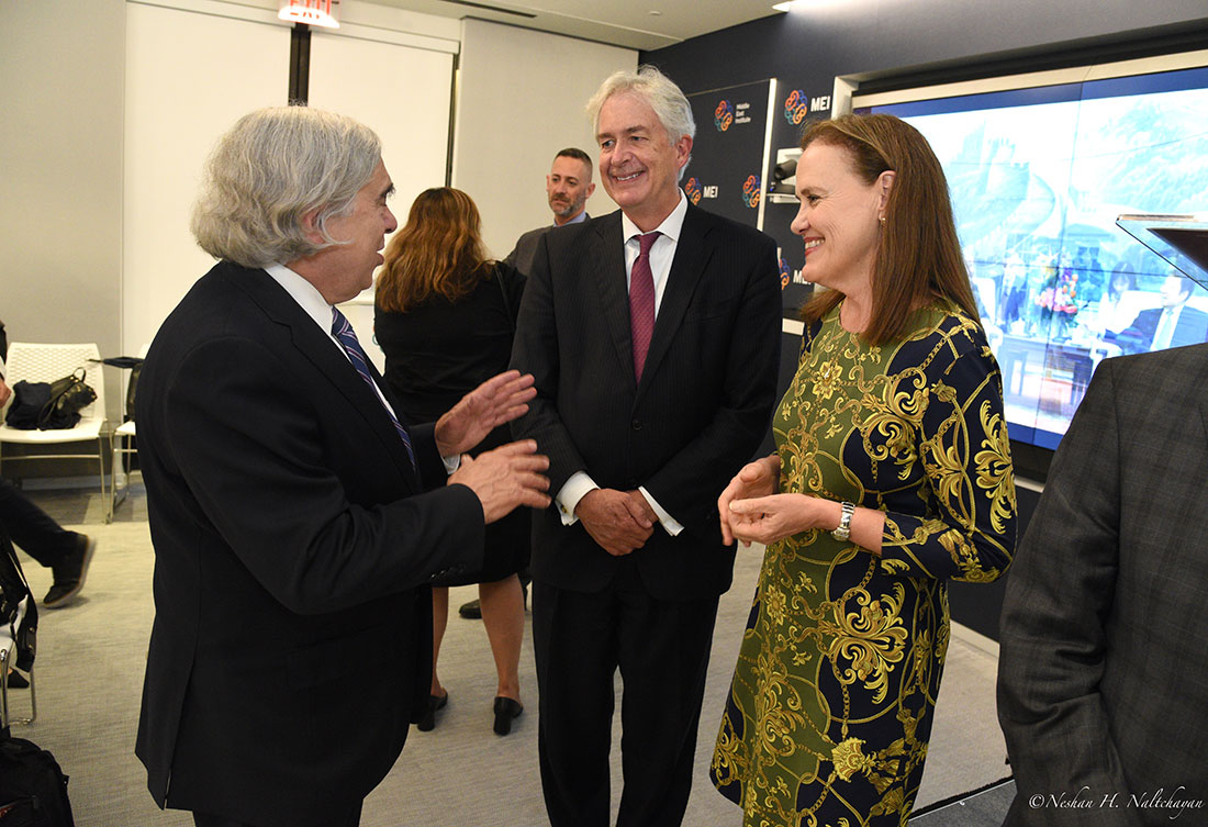 Ambassador William Burns and former Under Secretary of Defense Michéle Flournoy speak with former Secretary of Energy Ernest Moniz.