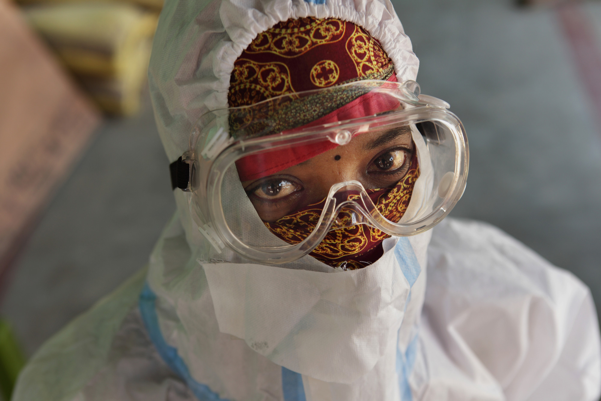 A health care worker in PPE.