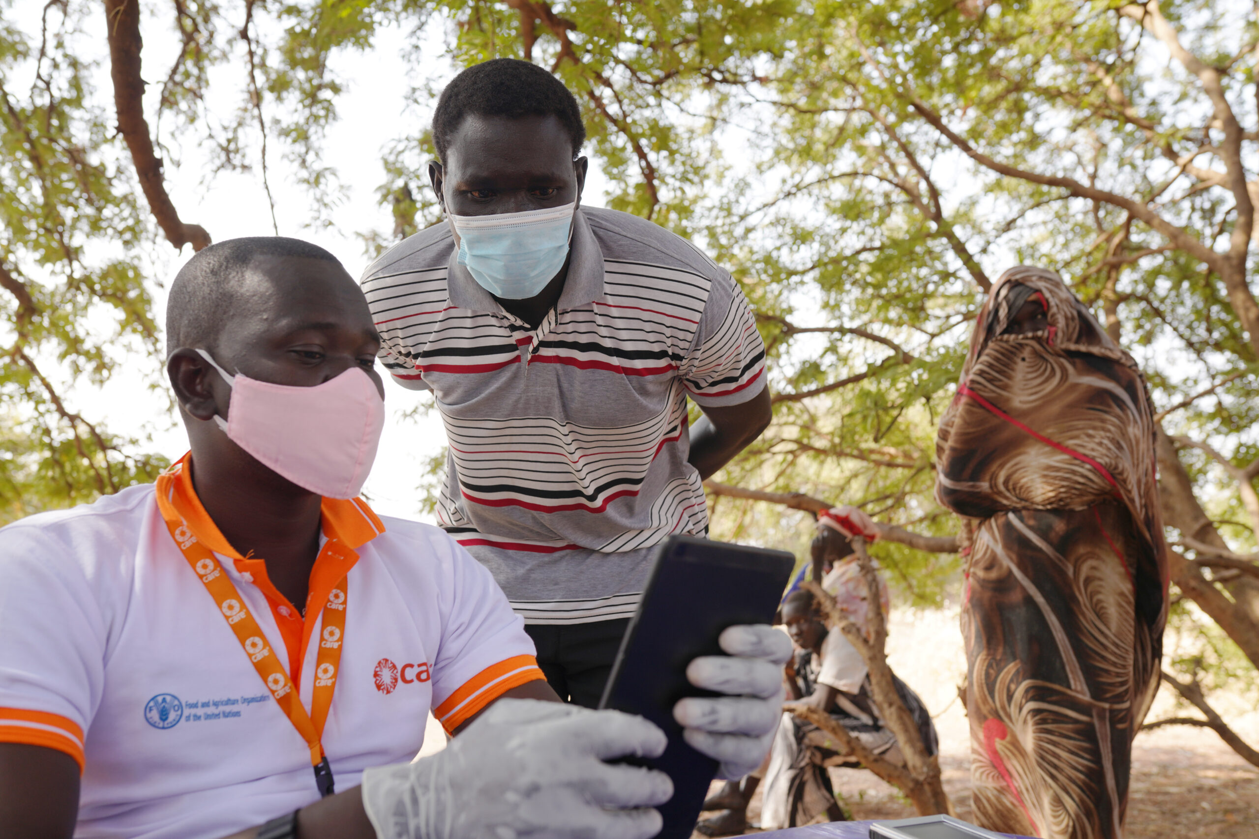 Registering for seeds and tools distribution in South Sudan.